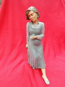 ELISA Sweet Expectation 9277 Pregnant Woman Large Limited Edition Boxed Figurine
