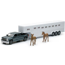 New Ray 1/43 Long Hauler Chevy Silverado 4x4 with Horse Figures Trailer SS-19513