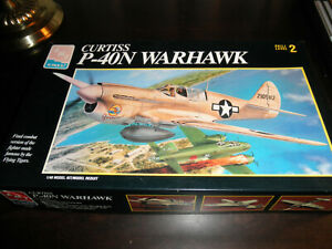 1/48 Curtiss P-40N WARHAWK WWII US Fighter by AMT/ERTL
