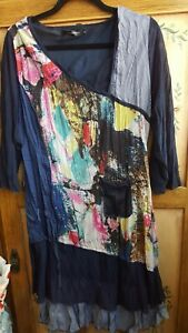 Fabulous WHISPERS Top Size S