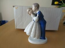 Bing & Grondahl Figurine 2162 P Youthful Boldness / First Kiss