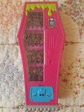 2014 Mattel Monster High Social Spots Student Lounge Vending Machine Furniture