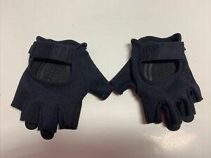 Black Weightlifting Fingerless Yoga Training Gloves. Ladies Size Medium