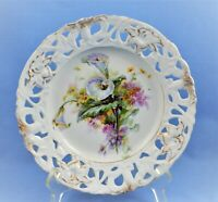 VINTAGE RETICULATED CABINET PLATE W/ CALLA FLOWERS AND GOLD