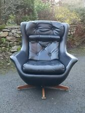 Mid Century Vintage Retro 1960s 1970s Black Swivel Egg Chair ((2 available)