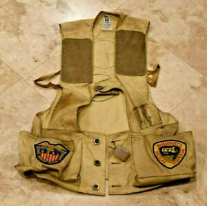 Vtg Bob Allen Gun Club Size M HUNTING VEST with 5 Large Patches-Great Display