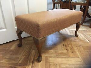 Large light rust footstool seat bench stool coffee table walnut cabriole legs gc