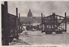 1944  --  PARIS   LES HERSES ANTI CHAR SUR LA PLACE DES INVALIDES   3B902