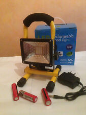 LAMPE PROJECTEUR RECHARGEABLE LED MT-2140 10W IP65 URGENCE STROBOSCOPIQUE
