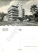 Cartolina di Albissola Marina, automobili in piazza San Benedetto - Savona