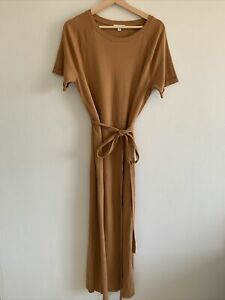 Elizabeth And James Tan Dress Size Small