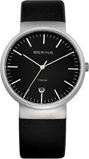 Bering Reloj de hombre plana de titanio con Cristal Zafiro 11036-402