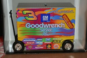 Dale Earnhardt Peter Max 2000 Series Goodwrench Action 1:16 Pit Wagon Bank100245