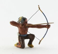 alte Massefigur Wildwest Indianer mit Bogen Bogenschütze Western Cowboy