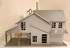 Metal Farmhouse Stable Model Building