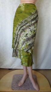 SIZE-12, VERTICE Beautiful Silk Skirt Made in New Zealand.