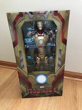 Iron Man 3 - 1/4 Scale Action Figure - Iron Man (Mark 42) - NECA/Marvel