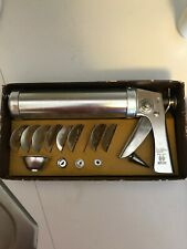 VINTAGE Wear-Ever Cookie Gun & Pastry Decorator USA 1950's no. 3365