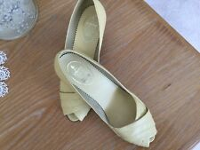 M&S Vintage Summer Shoes In Pale Yellow Size 6.