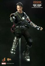 HOT TOYS - TONY STARK (MECH TEST VERSION) MMS116 - 1/6 Scale - RARE - Used