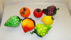 VINTAGE LOT OF 7 PIECES MURANO STYLE GLASS FRUIT (B15)