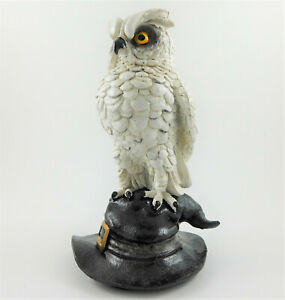 Horned Eagle Owl on Witches / WIzard Hat Figurine Soren Statue Ornament FREE P&P