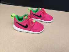 Toddler Girls Nike Roshe Run Shoes. Size 6C. Awesome Shoes!!!!