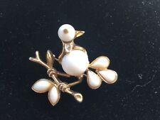 Trifari Pat Pend Alfred Phillipe Milk Glass Bird Pin