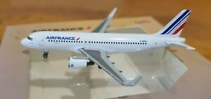 Herpa Wings AirFrance Airbus A320 scale 1:500 registration HEPH