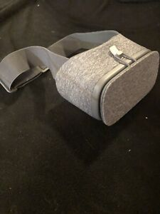 Google Pixel 3 XL - NOT COMPLETE Daydream VR Headset. VERY NICE