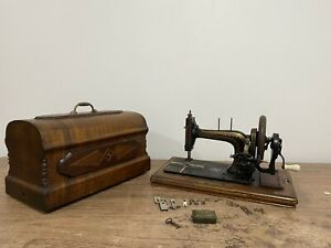 Vintage Retro Hand Crank Sewing Machine With Case And Accessories And Key