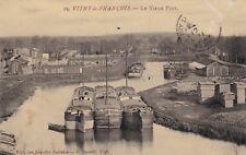 CPA 51 VITRY le FRANCOIS Le Vieux Port (beau plan de péniche)