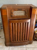 Antique Original Philco tube Radio and Record Player  1947 Model 47-1230