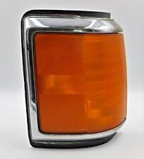 1988 Ford F-150 Pickup Right Front Turn Signal Corner Light with Chrome Trim