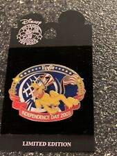 New Disney Epcot Pluto Independence Day 2005 Holiday Le pin