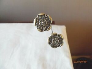 Pair of Silver Tudor Rose/Yorkshire Rose Hat Pins - Chester 1908