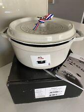 Brand New STAUB Round Cocotte Cast Iron Cookware 24CM 3.8 Litre White Truffle