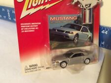 JOHNNY LIGHTNING 2001 ford Mustang  cobra JL 1/64 white chassis silver 2002