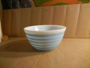 Vintage Pyrex Blue Rainbow Stripe Mixing Nesting / Bowl 402 1 1/2 QT