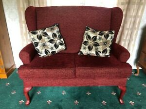 HSL Buckingham Two Seater Support Sofa Claret Gold Detail Immaculate Cost £800