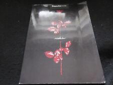 Depeche Mode zeigt uns Song Buch für Klavier Gitarre in 1990 Synth