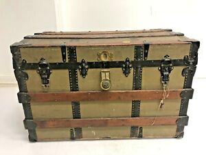 Vintage WOOD STEAMER TRUNK w Key chest coffee table storage box luggage antique