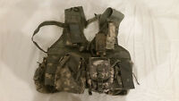 LIGHTWEIGHT MOLLE II ACU FLC ADJUSTABLE FIGHTING LOAD CARRIER W/ POUCHES JJ 1009