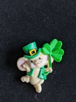 Vintage Hallmark 1981 Green Mouse Clover St Patrick Day Pin