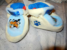 SUPERBE CHAUSSONS GARCON DISNEY  T6MOIS   NEUF