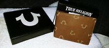 MENS TRUE RELIGION HORSESHOE TAN BROWN LEATHER BIFOLD WALLET W/ORIGINAL GIFT BOX
