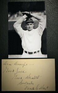 Vintage 1950's Waite Hoyt Signed GPC HOF D 1984 JSA