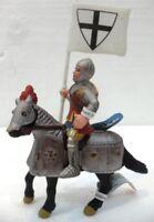 """Bullyland 80705+80707 """"cavaliere porta bandiera a cavallo"""""""