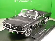 1964 Ford Mustang Cabrio NERO modello IN SCALA 1/18 di Welly