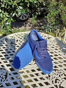 RARE Vans Size 11 Men's Skate shoes/Sneakers/Pumps